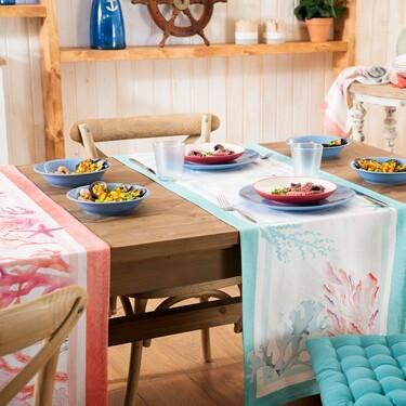 Se acerca el verano. Y las mesas más bonitas se visten con tejidos de algodón y estampados florales y marinos
