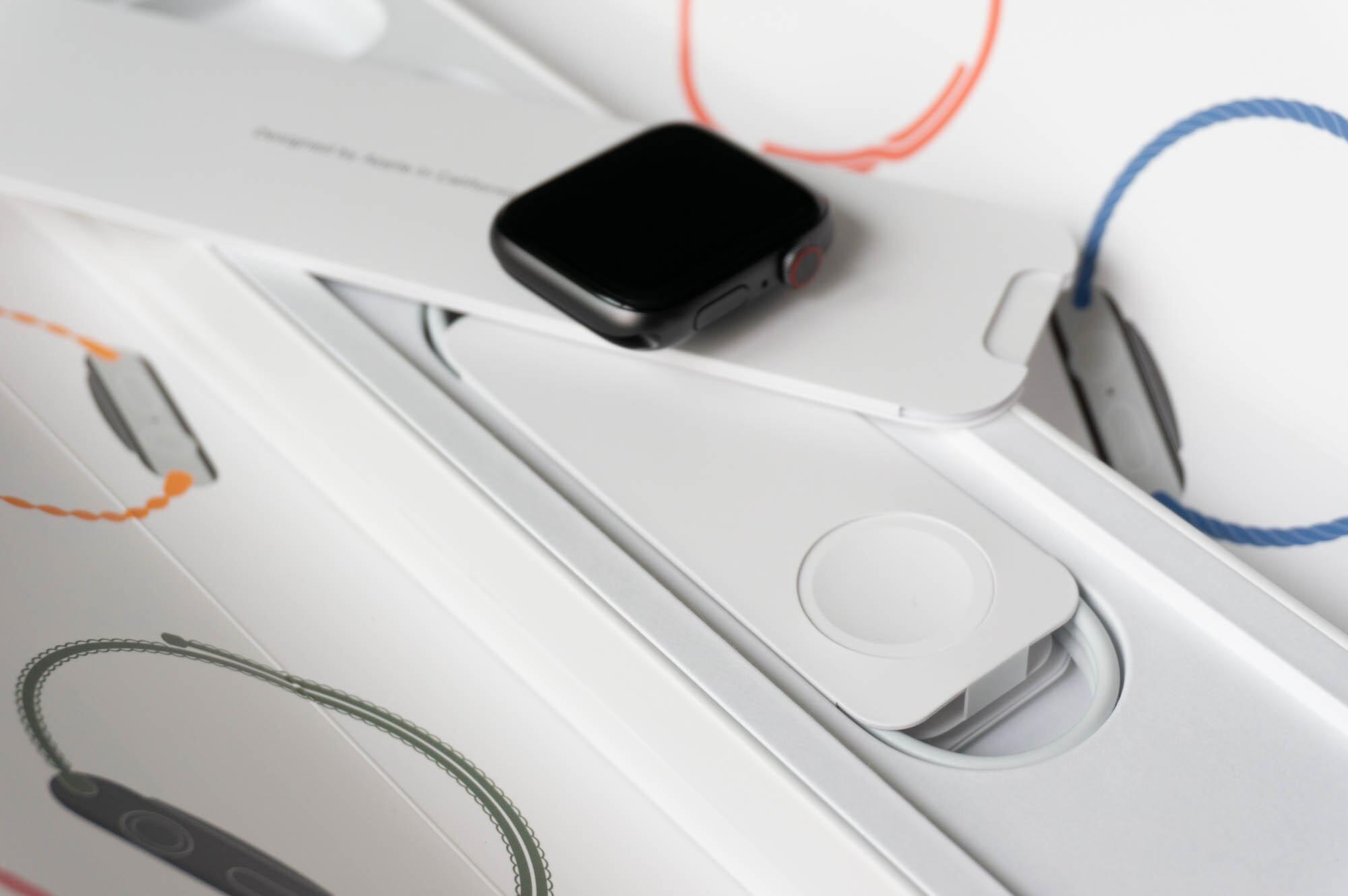 Foto de Apple Watch SE y Solo Loop (6/21)