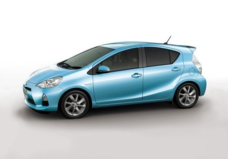 Toyota Aqua o Prius c