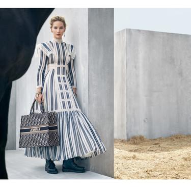 Jennifer Lawrence protagoniza estas preciosas imágenes de la campaña Crucero 2019 como indiscutible imagen de Dior