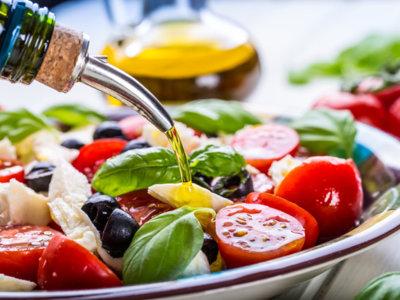 Llevar una dieta mediterránea rica en aceite de oliva podría ser la clave para prevenir el cáncer de mama