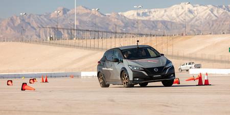 El Nissan LEAF baila en este vídeo poniendo a punto el primer sistema de tracción total para coches eléctricos de Nissan