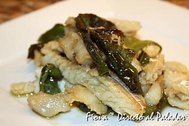 Bacalao con pimientos verdes. Receta