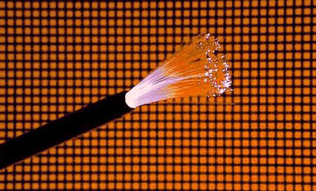 Orange apuesta por la fibra óptica y nos ofrecerá conexiones realmente rápidas para el hogar