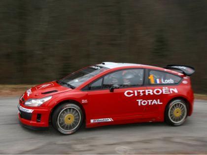 Citroën planta cara a la FIA