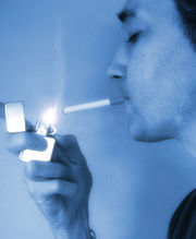 Los padres fumadores también afectan al feto