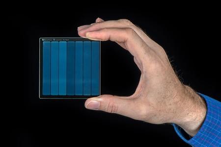 Microsoft consiguió almacenar la película de 'Superman' en un pedazo de cristal: así es 'Project Silica'