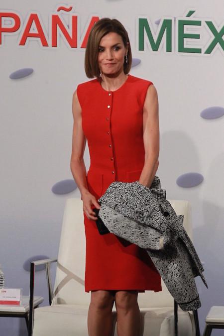 Letizia Traje Rojo Nina Ricci
