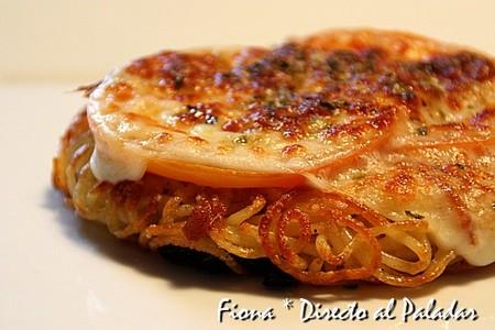Pizza de espaguetis con anchoas. Receta
