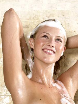 Cómo lavar correctamente el pelo