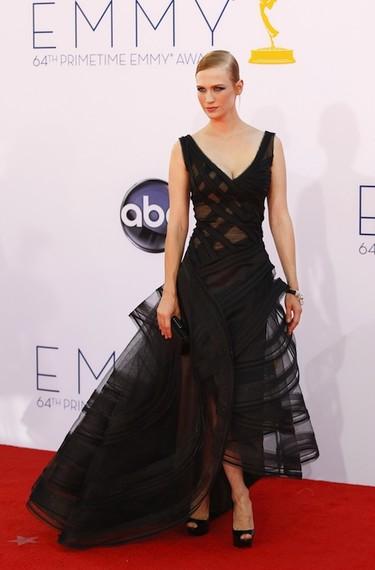 La polémica del vestido de January Jones en la gala de los Emmy: ¿casualidad o copia querido Zac Posen?
