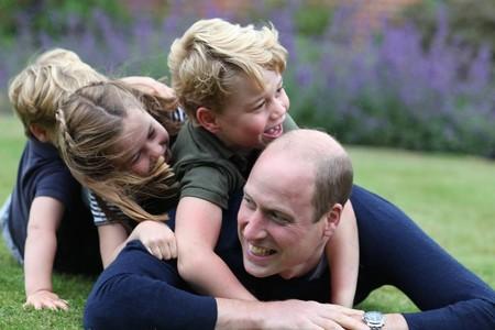 Los 13 retratos más adorables que Kate Middleton ha hecho de su familia hasta la fecha (y te contamos qué cámara usa)