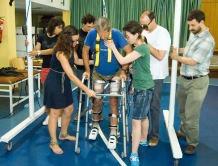 Un exoesqueleto y realidad virtual, combinación para mejorar la recuperación de lesiones medulares