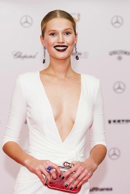 El arriesgado look de Toni Garrn en los premios Bambi 2014