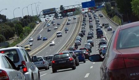 trafico en una autovía madrileña