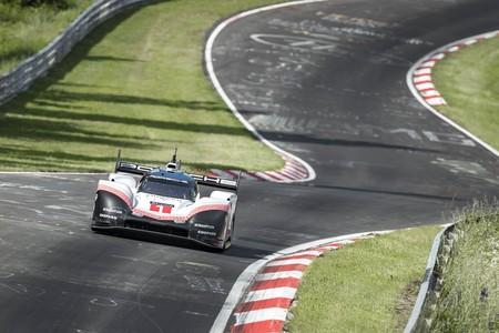 Así ha sido el demencial récord del Porsche 919 Hybrid Evo en Nürburgring y no, el vídeo no está acelerado