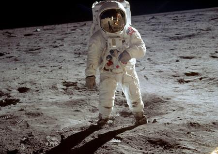 """Así """"vió"""" Buzz Aldrin cuando lo fotografiaron en el espacio: recrean una nueva perspectiva de la histórica foto del hombre en la Luna"""