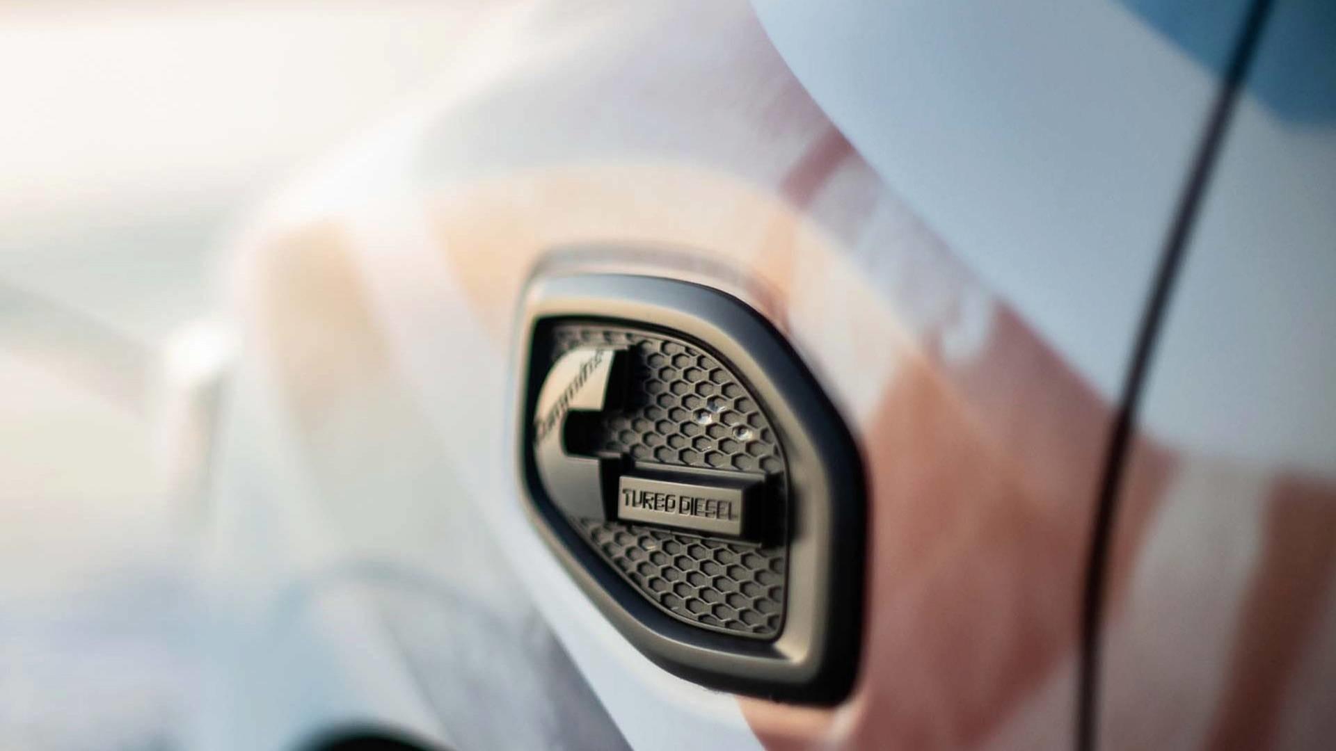 Foto de Nissan Titan XD Surfcamp (9/19)