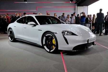 Porsche Taycan 2020 006