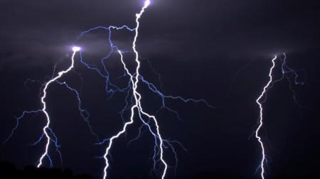 Apple se queda con la marca registrada Lightning para curarse de espantos