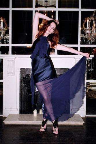 TopShop y las famosas con más estilo nos visten esta Navidad con los mejores vestidos, Dita Von Teese