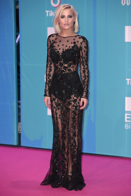 Ioanna Bella red carpet mtv ema
