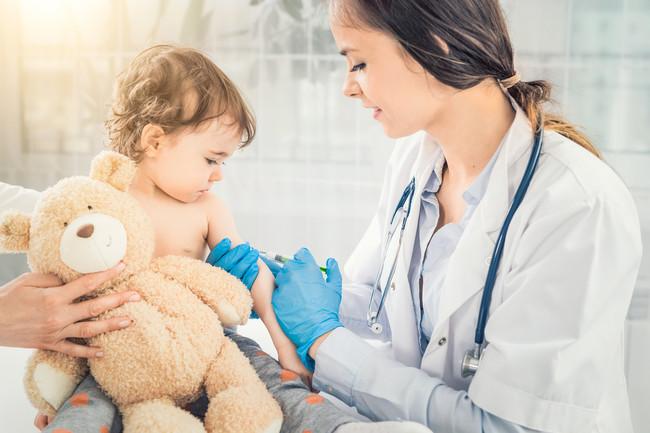 Lo que debes saber sobre vacunación si viajas con tu bebé a países europeos afectados por el brote de sarampión