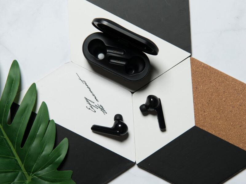 Mobvoi Earbuds Gesture: estos auriculares completamente inalámbricos permiten aceptar llamadas moviendo la cabeza