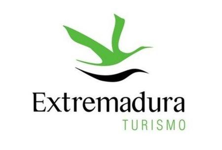 """El Gobierno extremeño defiende la inversión en la """"plataforma-web"""" de Turismo"""