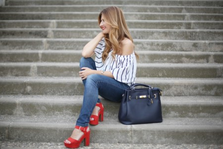 A Trendy Life Off Shoulder Top Red Sandals Sandalias Rojas Pelo Con Ondas Suaves Tresemme Hairstyle 12