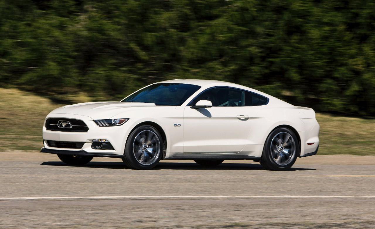 Foto de 2015 Ford Mustang 50 Year Limited Edition (1/24)
