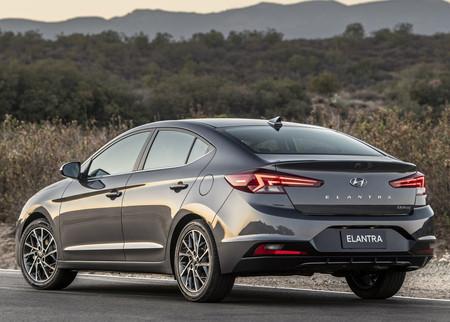 Hyundai Elantra 2019 4