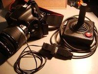 Ver para creer: Una Canon 550D controlada con un mando de Atari