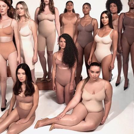 Kim Kardashian relanza su línea de fajas con un nuevo nombre: SKIMS