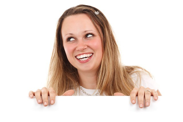 Mujer sonriendo.