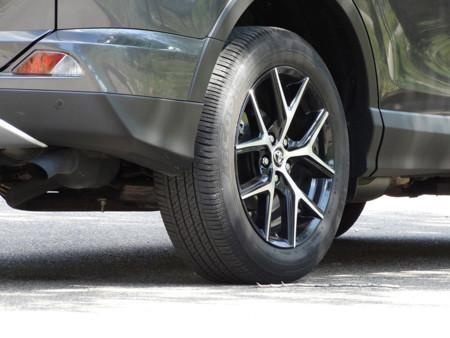 Rueda Prueba Toyota Rav4 Hybrid Detalles Exteriores