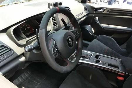 El nuevo Renault Mégane RS, al descubierto: así pinta por fuera y por dentro