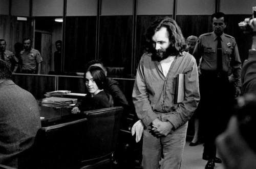 El asesino del amor libre: la vida de Charles Manson, narrada a través de 22 fotografías