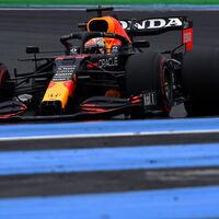 Max Verstappen da un golpe de autoridad con la pole en Francia y Carlos Sainz saldrá quinto