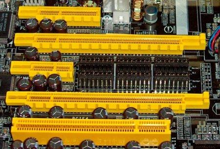 PCIe podría plantarle cara a Thunderbolt en un futuro próximo