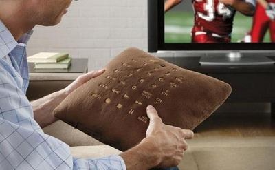 Pillow Remote, el mando a distancia hecho cojín