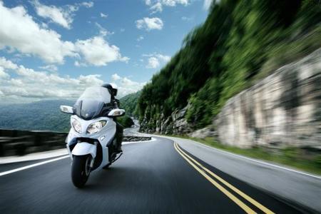 Novedades Salón de Colonia 2012: Suzuki Burgman 650 2013