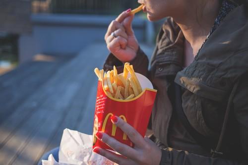 La relación entre ultraprocesados y obesidad, probada por un nuevo estudio