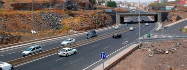 Varapalo to the DGT!  Cars and motorcycles may continue to exceed the limit at 20 km / h to overtake