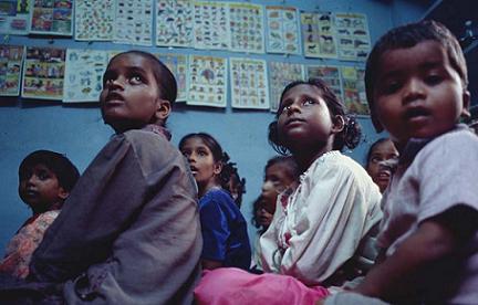 Urnas para evitar el maltrato infantil en la India