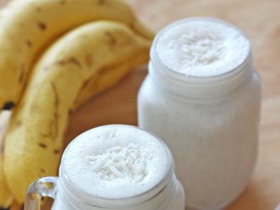 Smoothie de coco, nuez y plátano. Receta