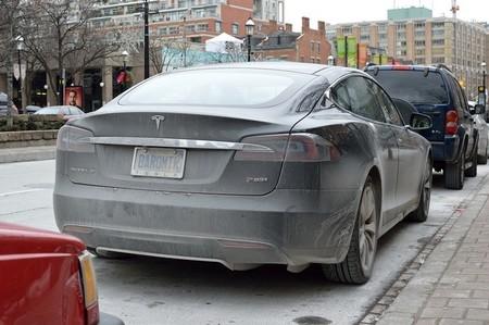 Tesla Model S Sucio