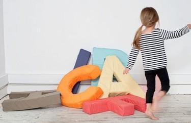 Cojines con forma de letras para los más pequeños