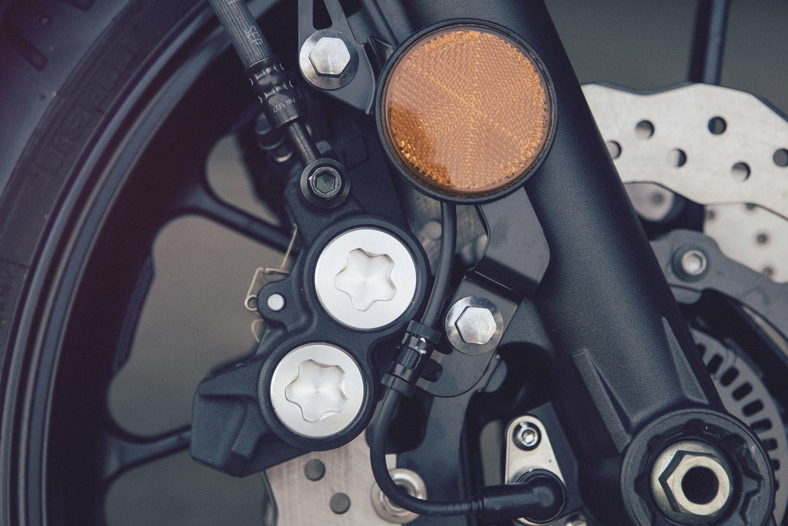 Foto de Yamaha XSR700 en acción y detalles (33/41)
