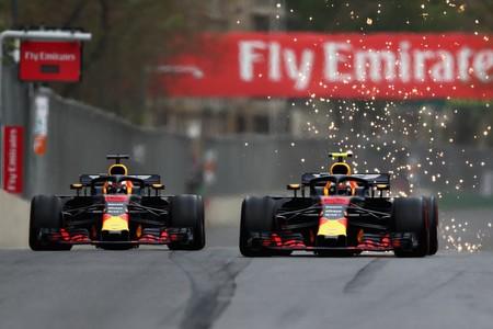 Red Bull en el ojo de la polémica. Verstappen o Ricciardo, ¿de quién es la culpa del accidente en Azerbaiyán?